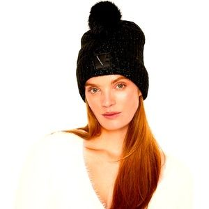 Victoria's Secret Holiday Collection Pom h…